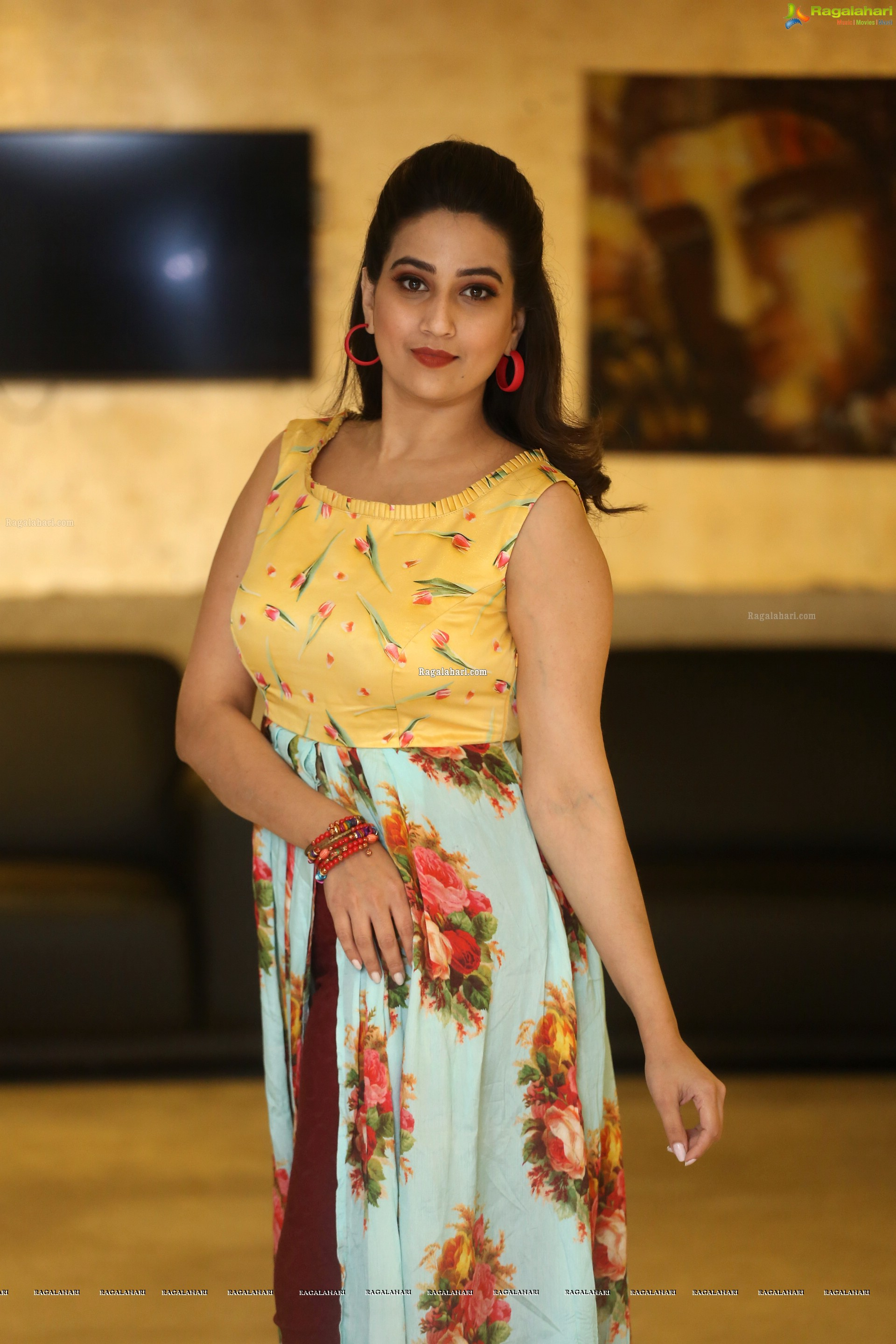 Manjusha @ RDX Love Pre-Release Event - HD Gallery