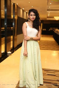 Nitya Naresh - Food for Change - A Black Tie Charity Event