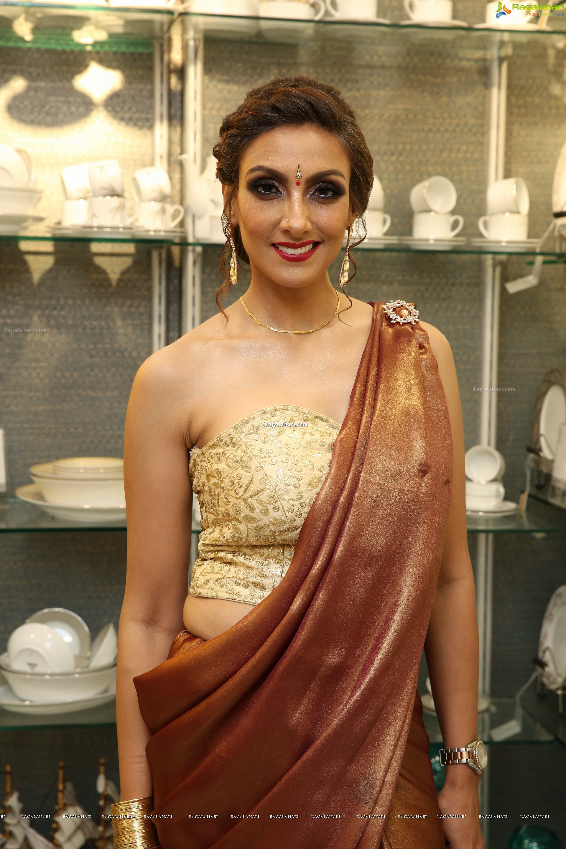 Pallavi Walia Raj @ Darpan Furnishings Store Launch - HD Gallery